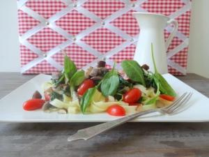 Nudeln-mit-veganem-Rahm-Spinat