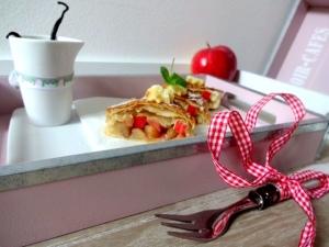 Apfelstrudel-mit-Vanille-Soße